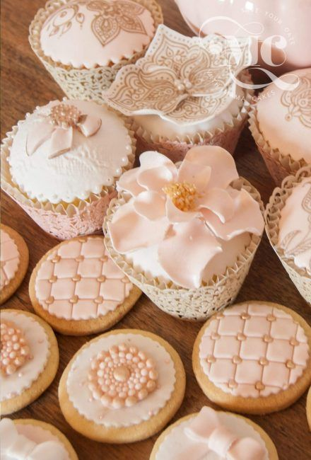 Luxury Wedding Cupcakes and Decorated Biscuits by Mama Cakes Cumbria
