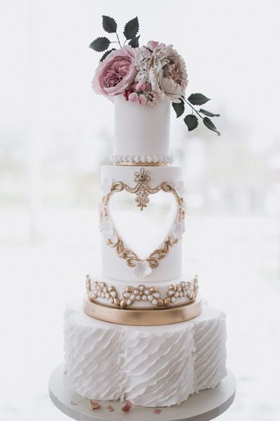 Gold and white mood board by Mama Cakes Cumbria 1
