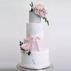 Grey-Silver-and-Pink-Wedding-Cake-by-Mama-Cakes